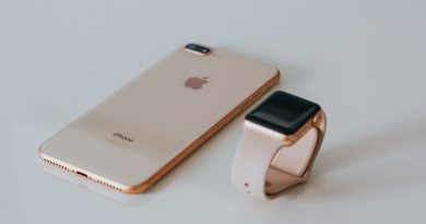 smartwatch-vs-smartphone-featured