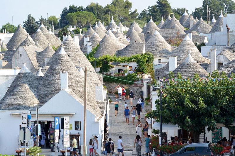 Puglia-Alberobello-Italy