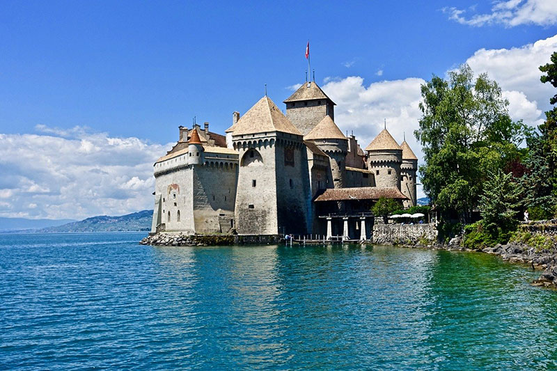 Montreux-chillon-switzerland
