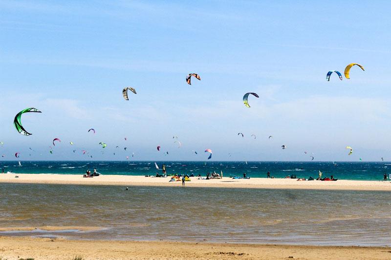 Tarifa-surfers