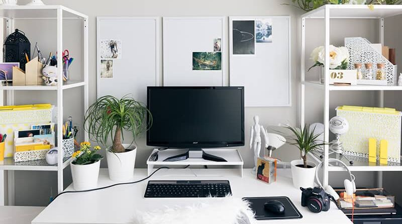 best-office-desk-accessories